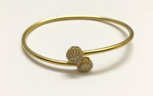 Twist wrist bracelet